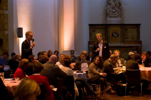 160 people crossing tipping points in De Duif